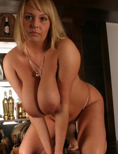Big Boobs Wanessa Lilio on Bar