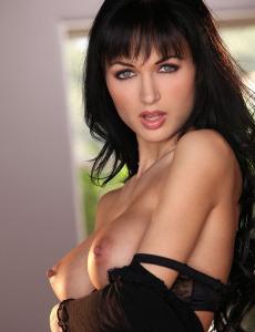 Brunette got wonderful tits