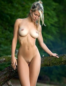 Hottie blonde with sexy breasts