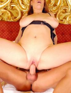 Huge boobed babe adores sex