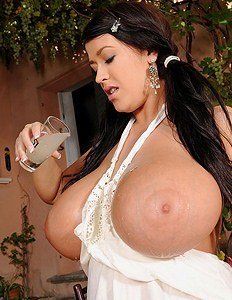 Leanne crow showing her really huge tits