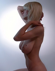 This blonde has very sexy tits